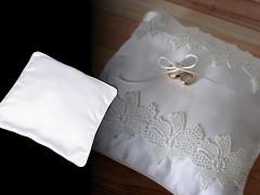 Lakodalmi gyűrűpárna Esküvői díszítés